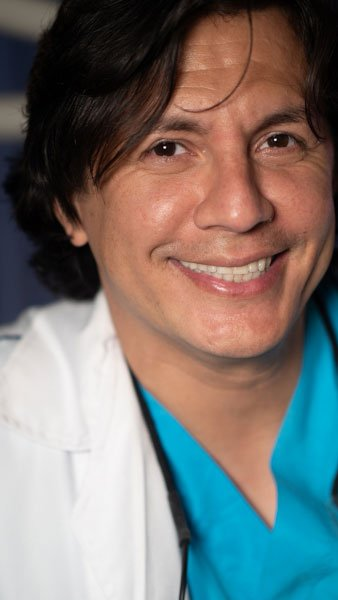 Dr Holmes Ortega
