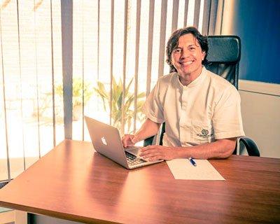 Dr Holmes Ortega Mejías